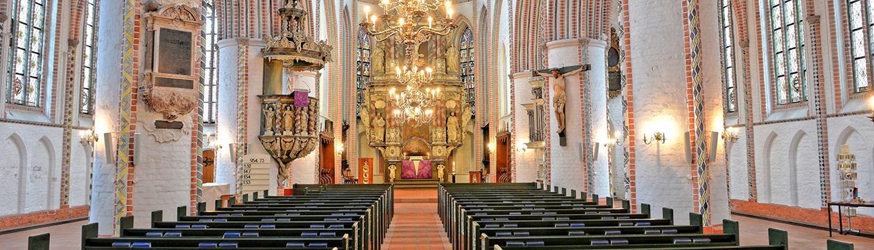 Kirche St.Petri  in Buxtehude mit Halepaghen-Altar  (Foto: Martin Elsen)