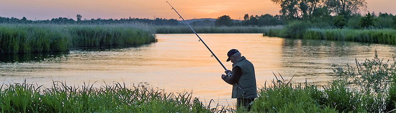 Angler an der Oste bei Gräpel. (Foto: Christian Schmidt)