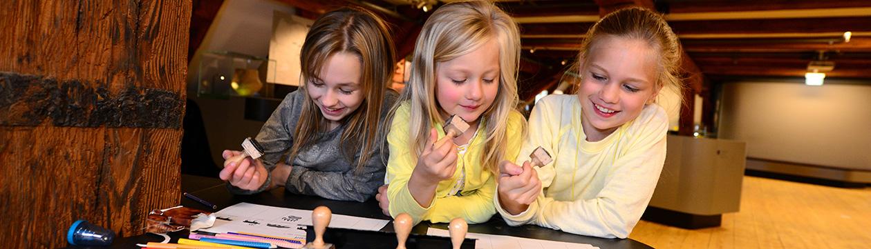 Lernen außerhalb der Schule im Stader Schwedenspeicher-Museum (Foto: Martin Elsen)