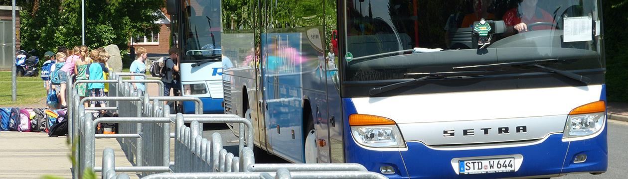 Schulbusse im Landkreis Stade (Foto: Christian Schmidt)